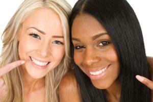 چرا باید به دندانپزشک زیبایی مراجع کنیم؟