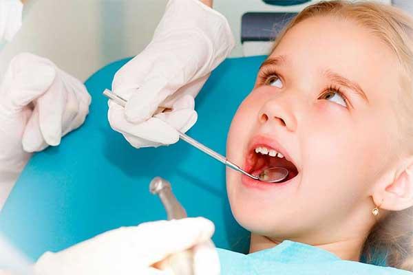ایمپلنت دندان کودکان