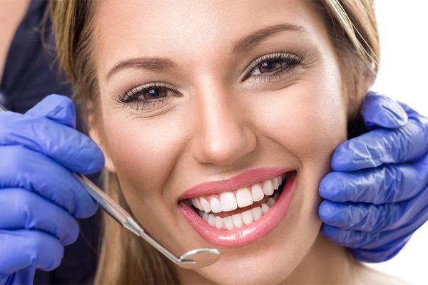 روش های سفیدکردن دندان