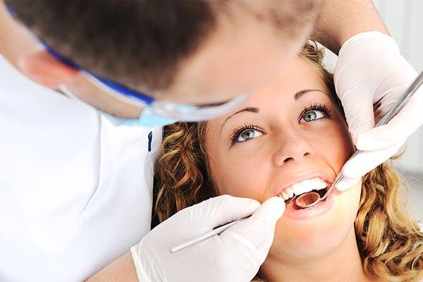 ویزیت دندانپزشک ترمیمی