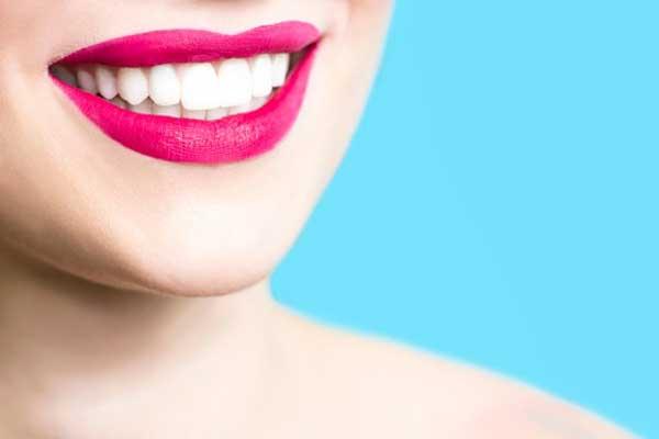 وایتنینگ دندان یا پرسلین ونیر